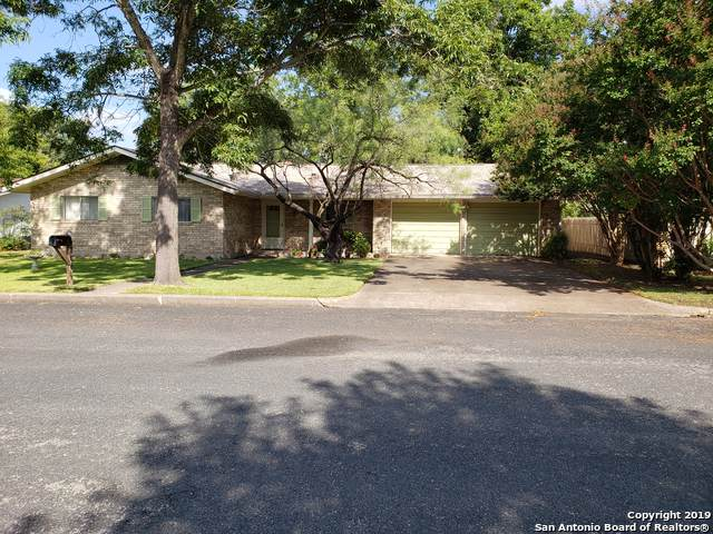 706 N Edison St, Fredericksburg, TX 78624 (MLS #1408096) :: Glover Homes & Land Group