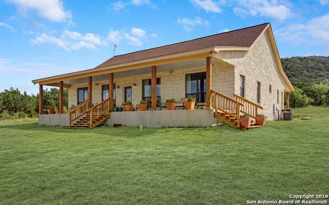 1408 Bear Springs Trail, Pipe Creek, TX 78063 (MLS #1409670) :: BHGRE HomeCity