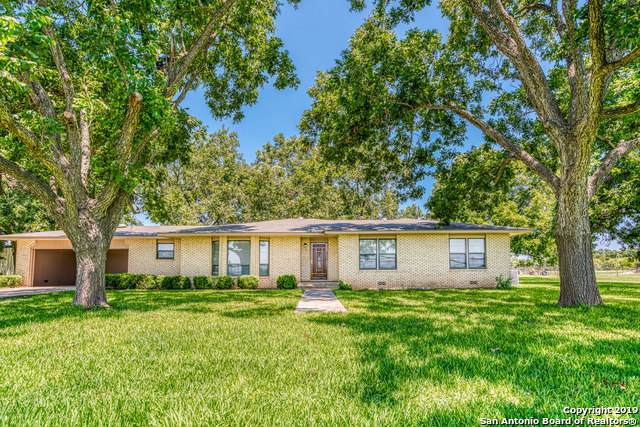 15547 Macdona-Lacoste Rd, LaCoste, TX 78039 (MLS #1410351) :: Front Real Estate Co.