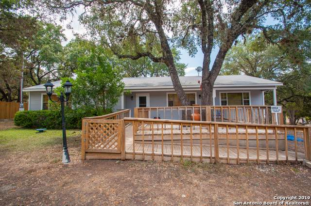 131 Oak Springs Dr, Canyon Lake, TX 78130 (MLS #1410448) :: Vivid Realty