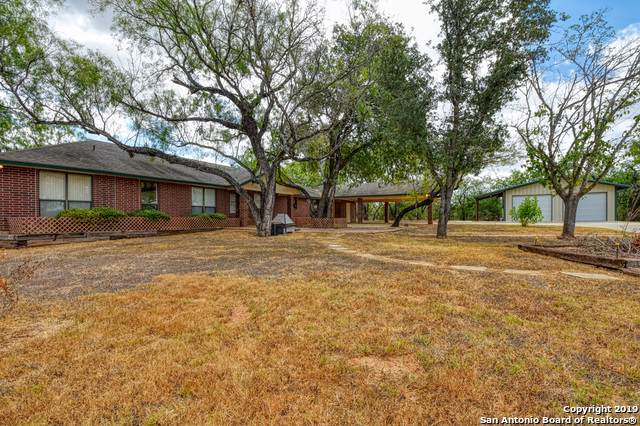 287 County Road 407, Floresville, TX 78114 (MLS #1410491) :: Neal & Neal Team