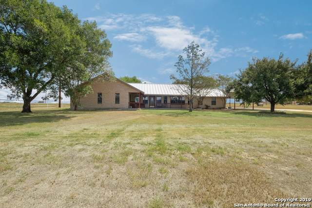 3230 Rakowitz Rd, Adkins, TX 78101 (MLS #1410864) :: Alexis Weigand Real Estate Group