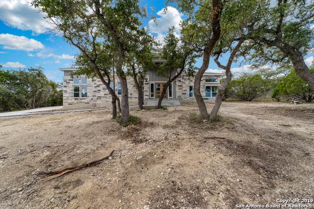 716 Panorama Pt, Canyon Lake, TX 78133 (#1411457) :: The Perry Henderson Group at Berkshire Hathaway Texas Realty