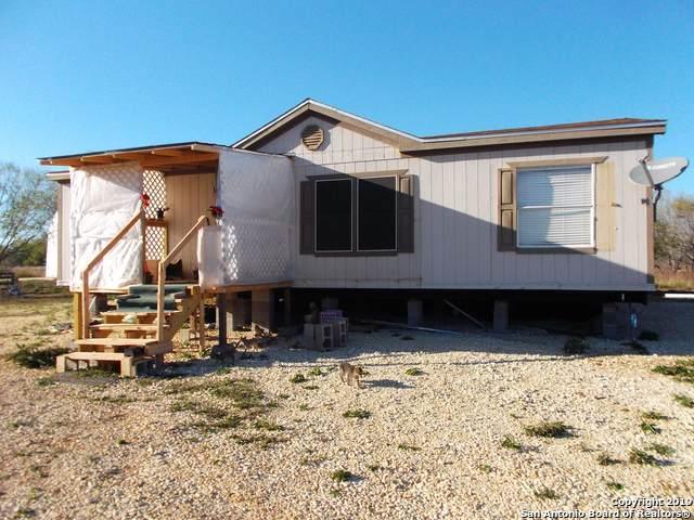 1660 County Road 300, Jourdanton, TX 78026 (MLS #1412486) :: The Gradiz Group