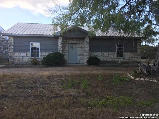 702 S Panna Maria Ave, Karnes City, TX 78118 (MLS #1413895) :: BHGRE HomeCity