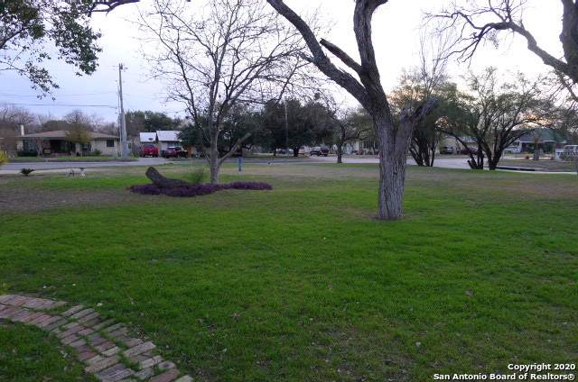 1847 W Woodlawn Ave, San Antonio, TX 78201 (MLS #1414245) :: Alexis Weigand Real Estate Group