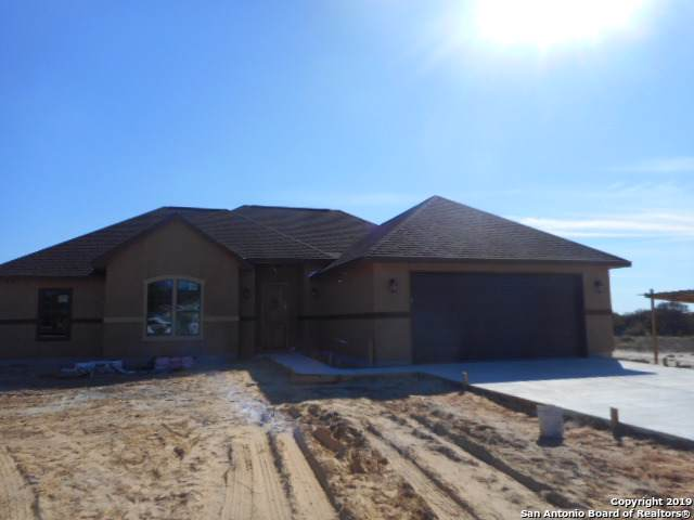 504 Trophy Ln, Poteet, TX 78065 (MLS #1415081) :: Alexis Weigand Real Estate Group