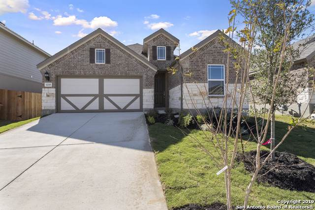 1215 Loma Ranch, New Braunfels, TX 78132 (MLS #1415359) :: Alexis Weigand Real Estate Group