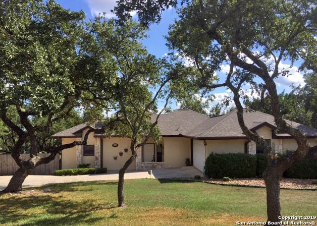 310 Deer Cross Ln, San Antonio, TX 78260 (MLS #1416210) :: The Gradiz Group