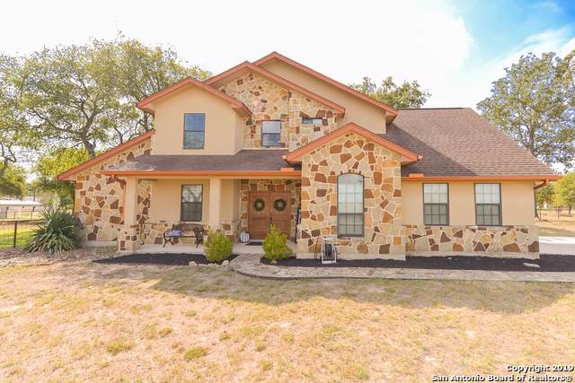 309 Stage Coach, La Vernia, TX 78121 (#1416345) :: The Perry Henderson Group at Berkshire Hathaway Texas Realty