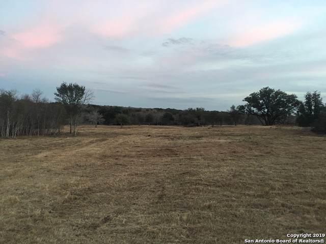266 S Shamrock Dr, Floresville, TX 78114 (MLS #1416462) :: Exquisite Properties, LLC