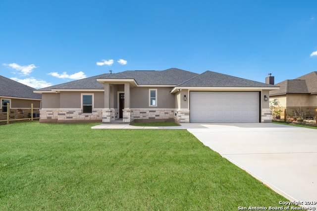 143 Muirfield Ln, La Vernia, TX 78121 (MLS #1416700) :: Carolina Garcia Real Estate Group
