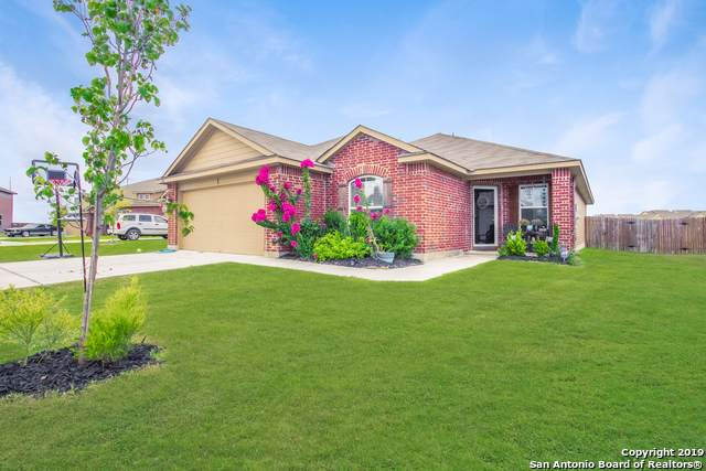 1412 Redbridge Dr, Seguin, TX 78155 (MLS #1420473) :: The Castillo Group
