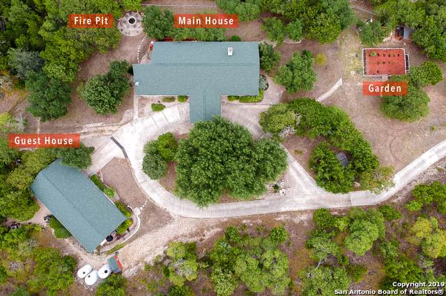 6777 Bear Creek Rd, Pipe Creek, TX 78063 (MLS #1421804) :: Legend Realty Group