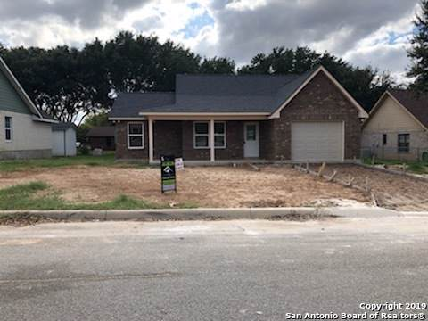 1023 Jasmine Dr, Floresville, TX 78114 (MLS #1422688) :: Legend Realty Group