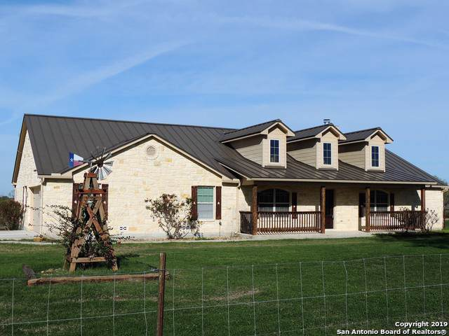 14667 E Lupon Rd, St Hedwig, TX 78152 (MLS #1422812) :: Alexis Weigand Real Estate Group