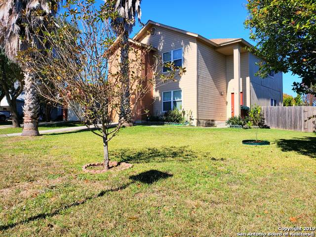 9406 Fulwood Trail, San Antonio, TX 78239 (#1424185) :: The Perry Henderson Group at Berkshire Hathaway Texas Realty
