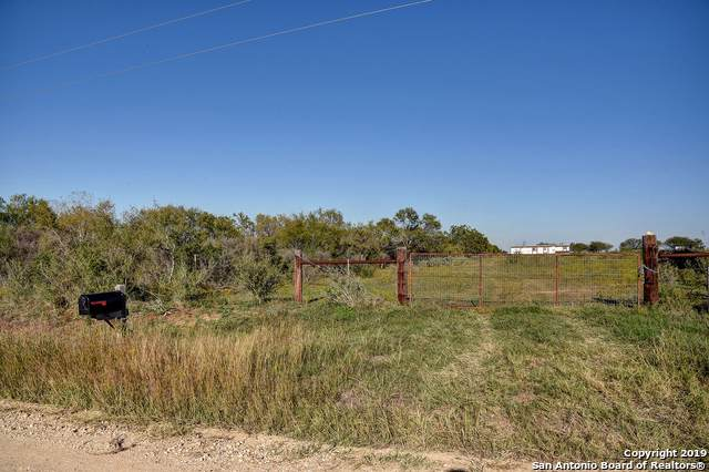 350 County Road 243, Floresville, TX 78114 (MLS #1424250) :: BHGRE HomeCity