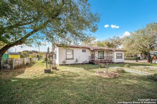 3202 E Southcross Blvd, San Antonio, TX 78223 (MLS #1426040) :: Alexis Weigand Real Estate Group