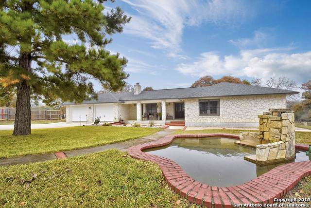 355 Eagle Ridge Dr, Floresville, TX 78144 (MLS #1427474) :: BHGRE HomeCity