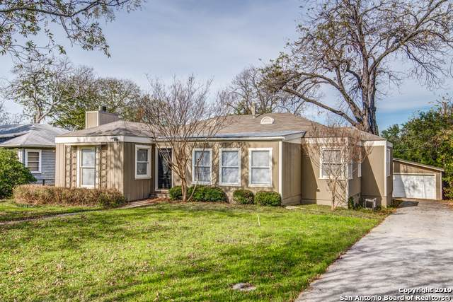 337 Garraty Rd, Terrell Hills, TX 78209 (#1427674) :: The Perry Henderson Group at Berkshire Hathaway Texas Realty