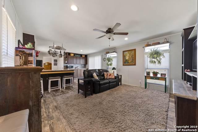 110 County Road 2665, Devine, TX 78016 (MLS #1428272) :: Carolina Garcia Real Estate Group