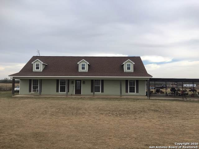 1021 Wells Rd, Pearsall, TX 78061 (#1430418) :: The Perry Henderson Group at Berkshire Hathaway Texas Realty