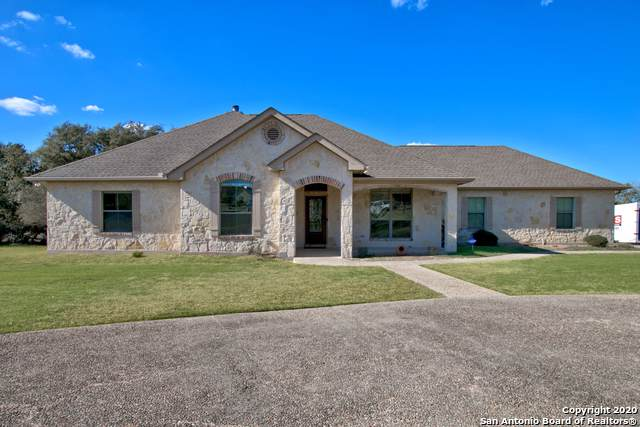 113 Ledgestone Trail, Spring Branch, TX 78070 (#1431368) :: The Perry Henderson Group at Berkshire Hathaway Texas Realty