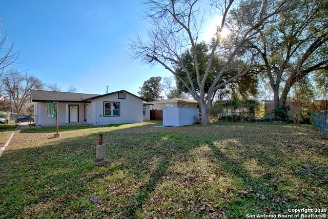 616 W Merriweather St, New Braunfels, TX 78130 (MLS #1431411) :: Alexis Weigand Real Estate Group