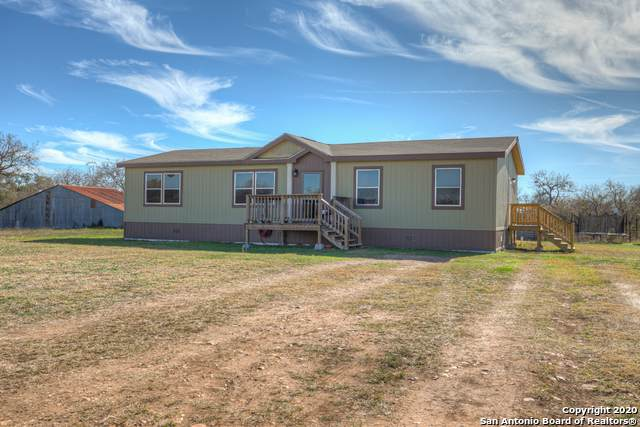 15642 New Berlin Rd, St Hedwig, TX 78152 (MLS #1431958) :: Legend Realty Group
