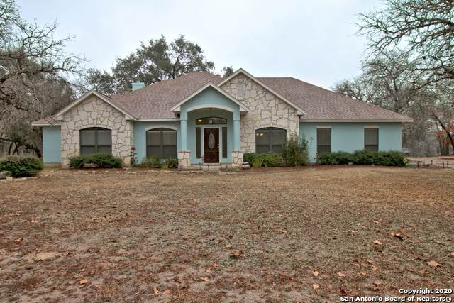 360 Shannon Ridge Dr, Floresville, TX 78114 (#1433391) :: The Perry Henderson Group at Berkshire Hathaway Texas Realty