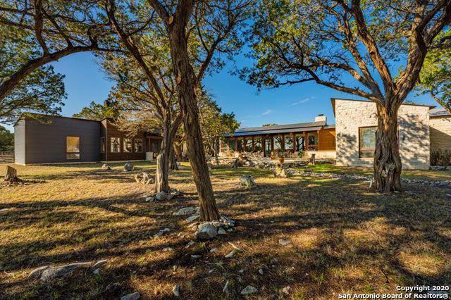 285 La Reata Rd, Kerrville, TX 78028 (MLS #1434301) :: The Castillo Group