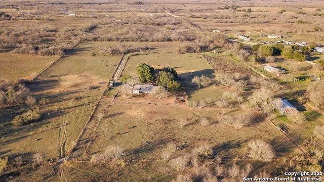 226 Cutting Horse Ln, Somerset, TX 78069 (MLS #1435094) :: The Castillo Group