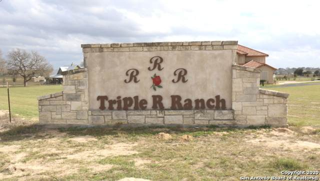 194 Triple R Dr (4.45 Acres), La Vernia, TX 78121 (MLS #1437143) :: Reyes Signature Properties