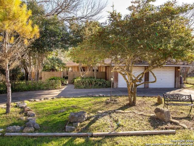 2072 Valley Dr, Canyon Lake, TX 78133 (MLS #1438321) :: BHGRE HomeCity