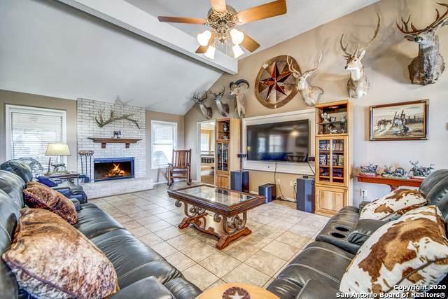 725 Lakepark Dr, Lakehills, TX 78063 (MLS #1438568) :: Alexis Weigand Real Estate Group