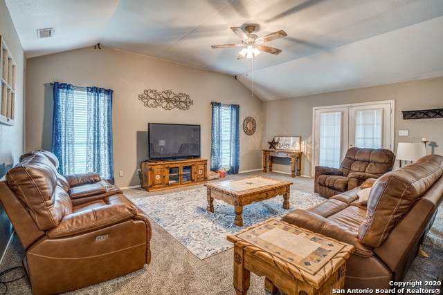 326 Wild Rose, Floresville, TX 78114 (MLS #1438932) :: The Mullen Group | RE/MAX Access