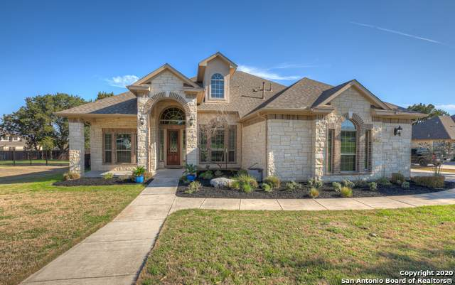 226 Hamburg Ave, New Braunfels, TX 78132 (#1440841) :: The Perry Henderson Group at Berkshire Hathaway Texas Realty