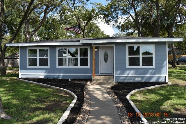 436 N Union Ave, New Braunfels, TX 78130 (MLS #1443577) :: Alexis Weigand Real Estate Group