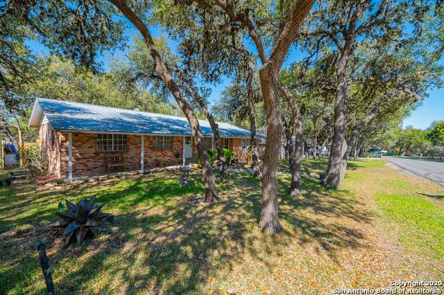 751 Valley Oaks Dr, Canyon Lake, TX 78133 (MLS #1444129) :: Neal & Neal Team