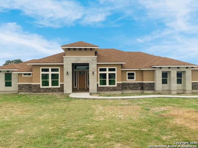 121 Westfield Crossing, La Vernia, TX 78121 (MLS #1444416) :: Alexis Weigand Real Estate Group