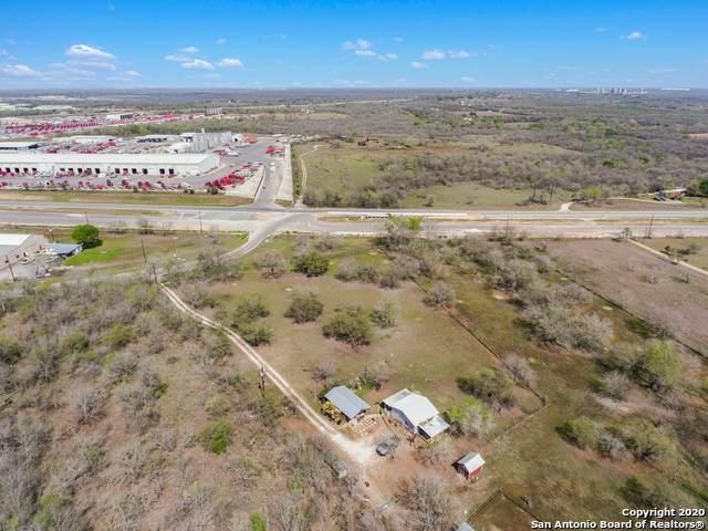 4640 S Flores Rd, Elmendorf, TX 78112 (MLS #1446062) :: Legend Realty Group