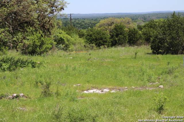 LOT 33 Sabinas Creek, Boerne, TX 78006 (#1446424) :: The Perry Henderson Group at Berkshire Hathaway Texas Realty