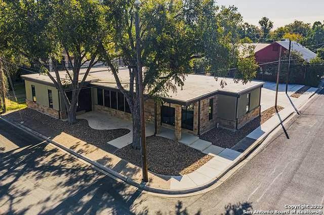 301 E San Antonio Ave, Boerne, TX 78006 (MLS #1446678) :: Reyes Signature Properties