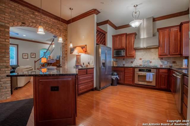 1202 S Flores St #102, San Antonio, TX 78204 (MLS #1448227) :: Berkshire Hathaway HomeServices Don Johnson, REALTORS®