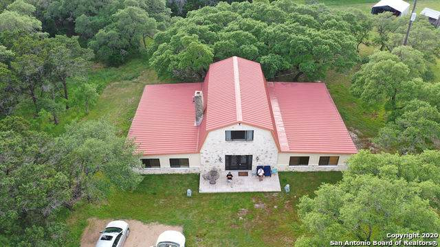 8001 Mount Sharp Rd, Wimberley, TX 78676 (MLS #1449825) :: The Castillo Group
