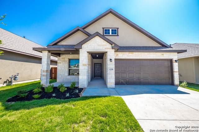 1258 Cross Gable, New Braunfels, TX 78132 (MLS #1455487) :: Alexis Weigand Real Estate Group