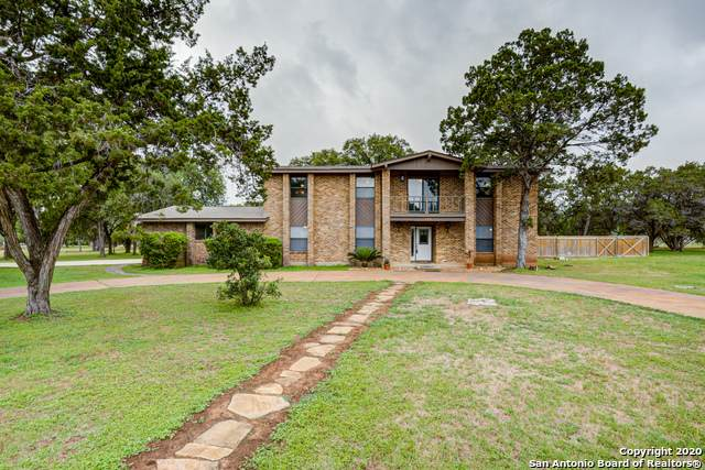 348 Canterberry Dr, New Braunfels, TX 78132 (MLS #1456246) :: The Gradiz Group