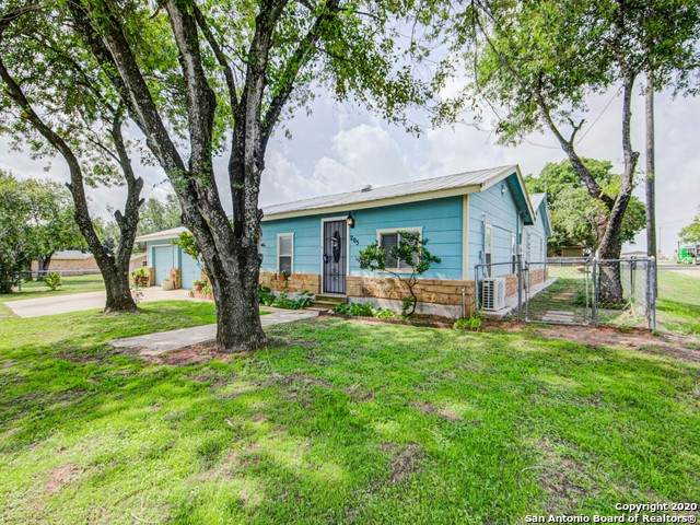 205 W 9TH ST, Leming, TX 78050 (MLS #1456666) :: The Mullen Group | RE/MAX Access