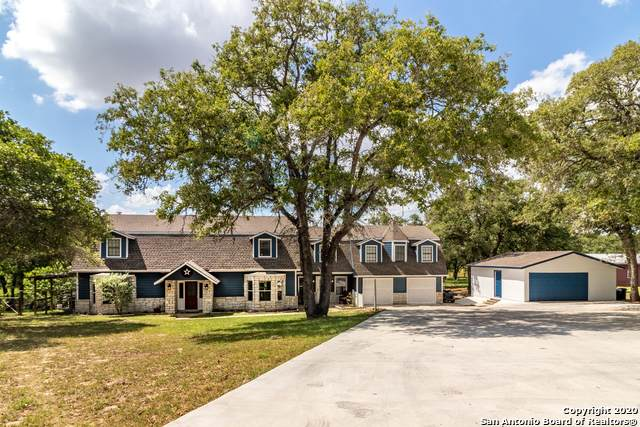 1918 Bentwood Dr, Floresville, TX 78114 (MLS #1457235) :: Alexis Weigand Real Estate Group